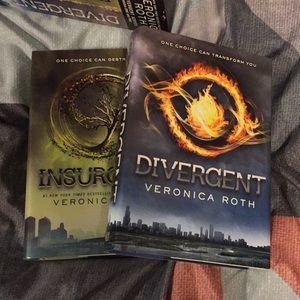 Other - DIVERGENT SERIES BOOKS 1&2
